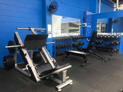 Leg press and DB area